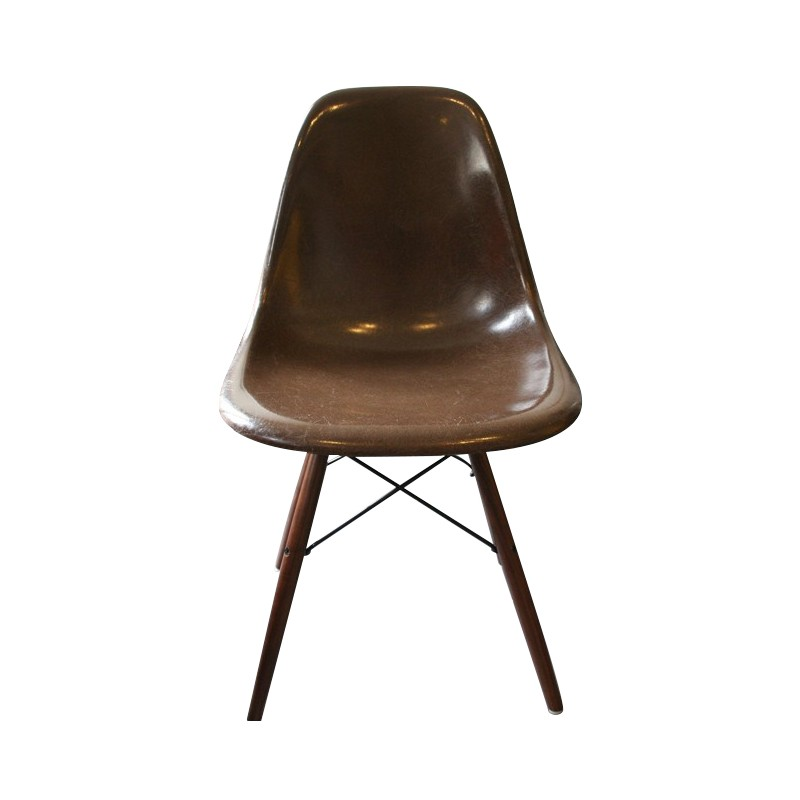 chaise-dsw-chocolat-charles-ray-eames-années-70-
