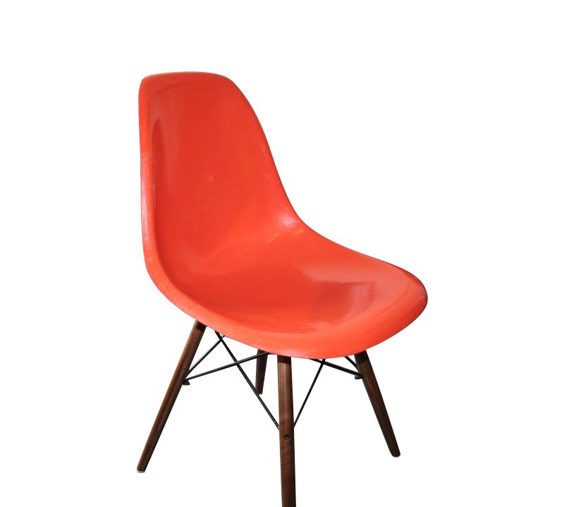 chaise-dsw-orange-charles-ray-eames-années-70-
