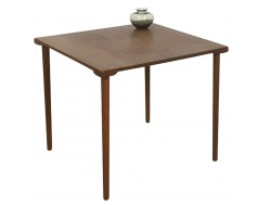 Table-appoint-vintage