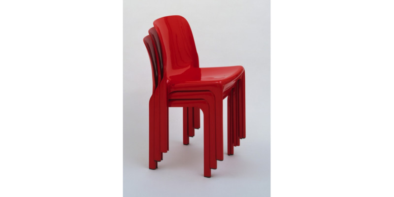 chaise-rouge-magistretti